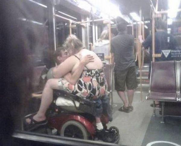 gente extraña del metro le gusta