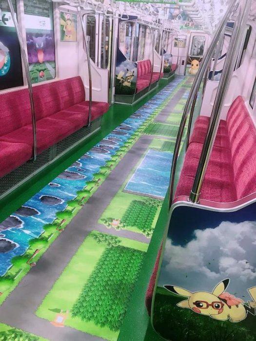 gente extraña metro pokemon