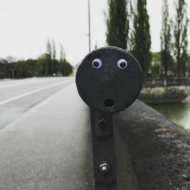 Ojos saltones en cosas tubo