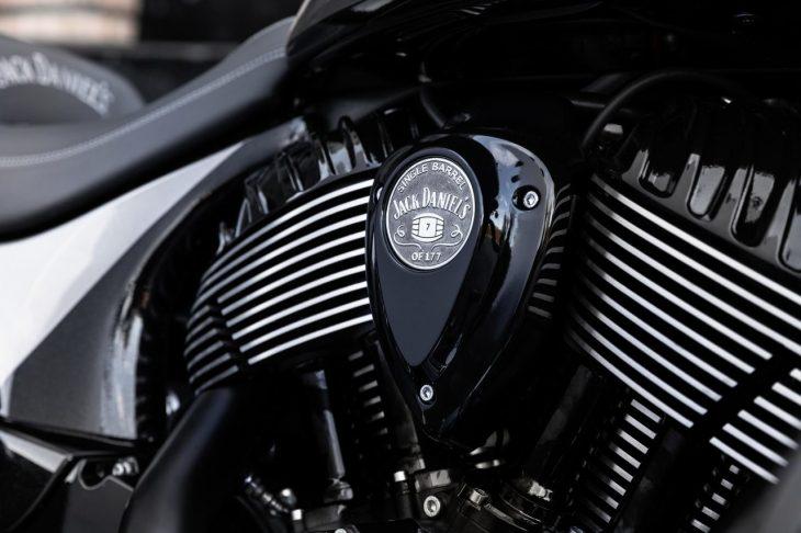 motor de motocicleta indian springfield dark horse jack daniel's