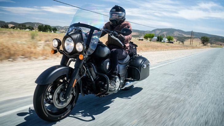 probando la motocicleta indian springfield dark horse jack daniel's