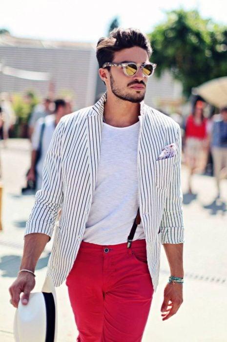 Hombre con blazer