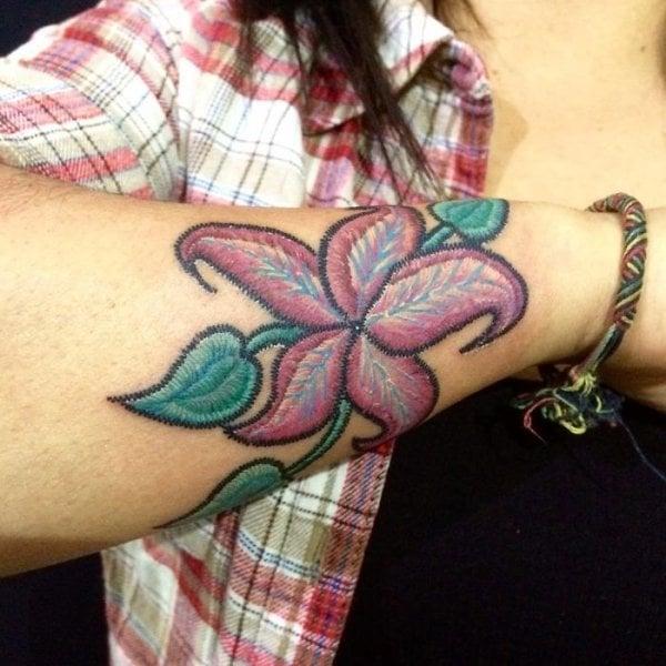 Tatuajes que simulan bordado