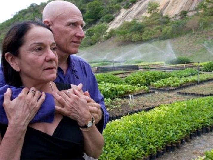 fotógrafo sebastiao salgado y esposa reforestan boesque