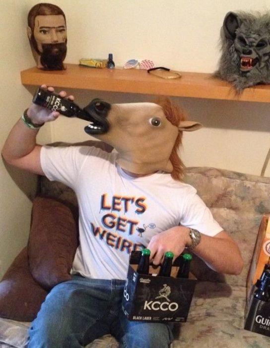 imágenes sin sentido máscara caballo