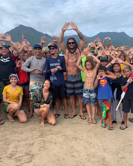 Jason Momoa amenaza no filmar aquaman 2 www.laguiadelvaron 6 562x700 Jason #Momoa amenaza con no filmar #Aquaman2, si destruyen un volcán en #Hawái