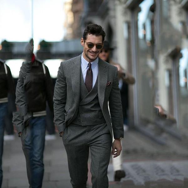 hombre en traje