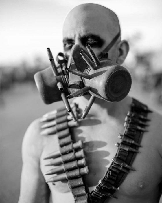 unvatoloc 560x700 #Wasteland: El asombroso festival temático de Mad Max es arte, desierto y música (Fotografías)
