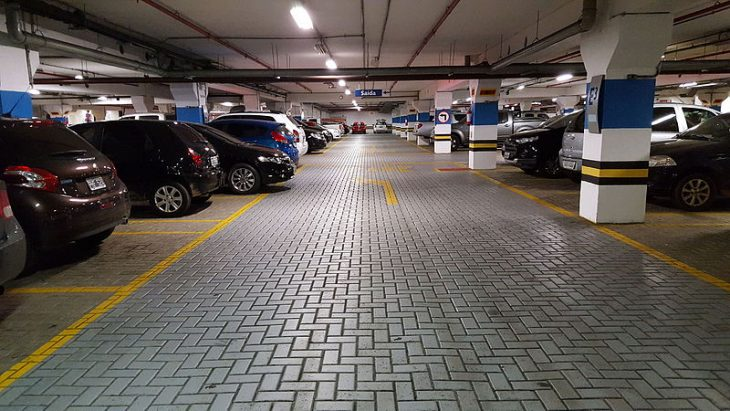 buscando estacionamiento
