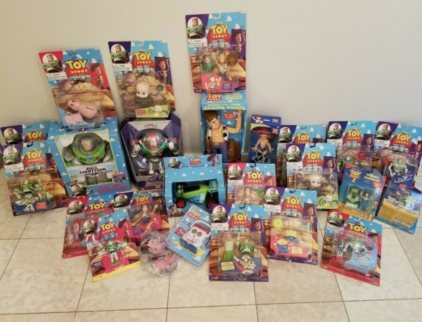 juguetes en caja