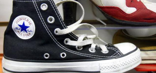 agujeros extra en los Converse
