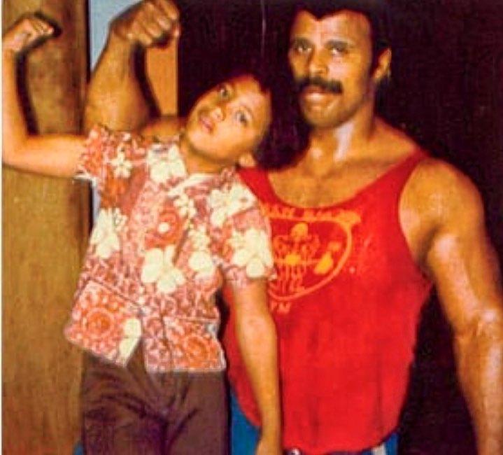 la roca y su papá
