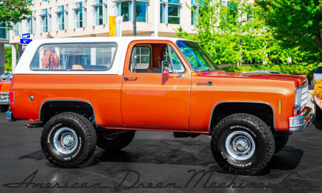 1977-GMC-Jimmy-Orange-metallic-350ci-4-Spd-4WD