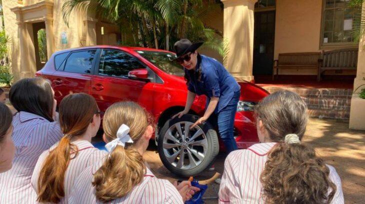 escuela australia