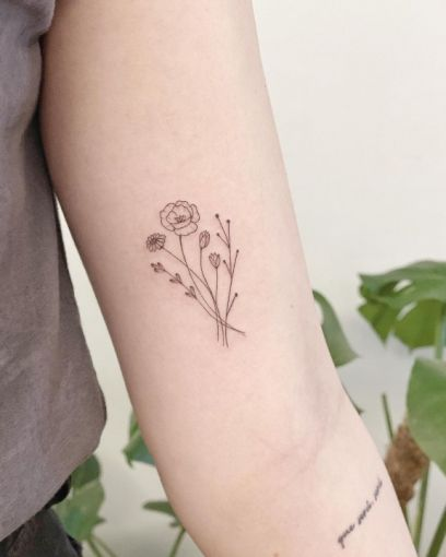 15 delicate floral tattoos perfect for the season 13