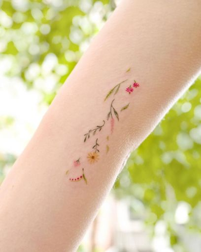 15 delicate floral tattoos perfect for the season 3