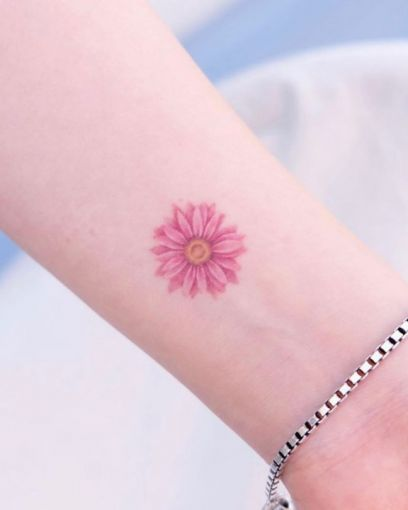 15 delicate floral tattoos perfect for the season 10