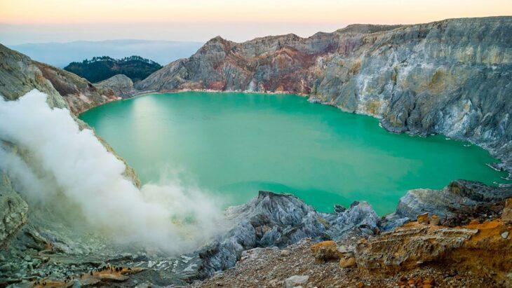 Lago de ácido Kawah Ijen