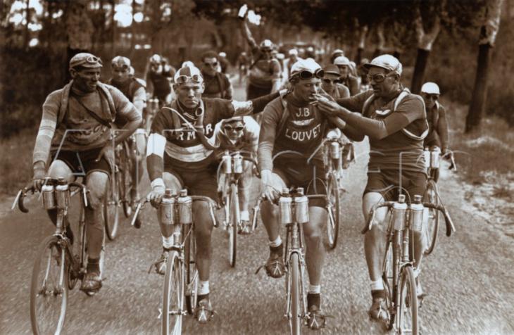 ciclistas que fuman