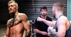 El extraño entrenamiento de McGregor para su pelea con Mayweather; golpear cartas en el aire